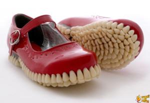 scarpe-a-forma-di-dentiera